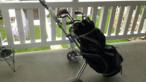 Men`s right hand golf clubs