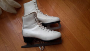 Patins  blancs taille 8 femme