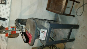 """Sears Craftsman 20"""" reach scroll saw 300 - 2000 SPM comes with s"""