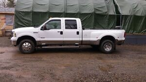 2005 Ford F-350 Lariet Dually Pickup Truck
