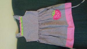 Girls Dresses. 6-8.