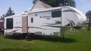2014 28.5Ft. Sundance XLT Fifth Wheel Trailer