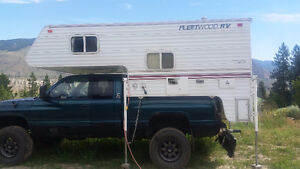 2002 Fleetwood 8.5ft truck camper *short box only*