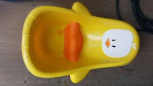 Duckie bath tub