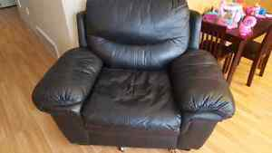 Black leather chair ... 50$