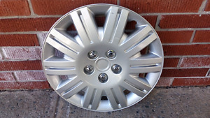 Wheel cover 16 inch  (excellent condition)
