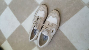 Men's and ladies golf shoes