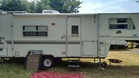 Trailer for sale 23 Foot 5th wheel