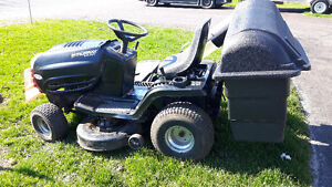 18/42 Murray select lawn tractor w/bagger