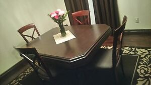 Kitchen table with  4 chair  for sale