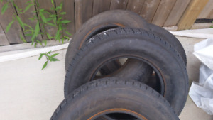 Tires almost new !!!4.....  205/75/15  all season tires