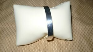 """STUNNING AUTHENTIC """"STERLING SILVER GUCCI CUFF BANGLE BRACELET"""" Kitchener / Waterloo Kitchener Area image 3"""