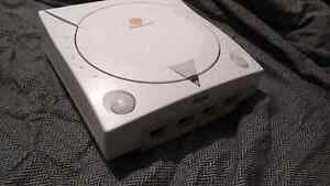 Dreamcast, includes all cables, controller and memory card Kitchener / Waterloo Kitchener Area image 1