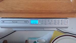 """Venturer 8"""" kitchen TV"""