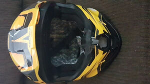 Helmet (yellow & black)