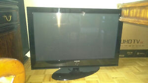 "Samsung 42"" Plasma TV Cycling"
