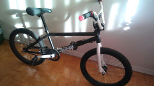 """*HARO* 1 1/8"""" HEADTUBE BMX WITH 14MM DROPOUTS FOR SALE"""