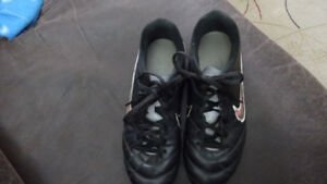 Leather Soccer shoes for Girl / Woman - $10