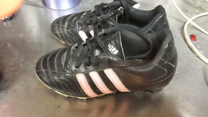 Kids size 11 addicts soccer shoes