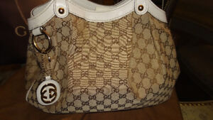 AUTHENTIC GUCCI GG MED SUKEY CANVAS AND LEATHER TRIM HANDBAG