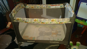 Excellent Condition Play Pen