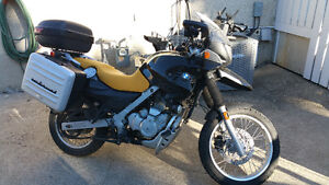BMW F650GS with lots of options and accesories
