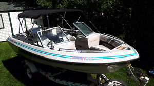 Opendeck 16 pieds Crestliner Nordic avec Johnson 120hp hors bord West Island Greater Montréal image 5
