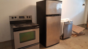 Whirlpool Stainless steel appliances for sale by owner.