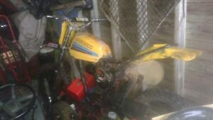82-suzuki-pe 175 2 stroke need a new engine got parts