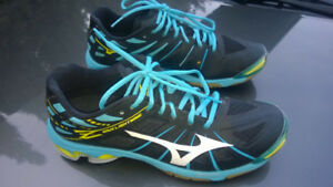 Mizuno Wave Lightning Z BlackWhiteTeal Women's Size 9.0 US