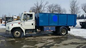 1995 freightliner hook lift mini bin truck