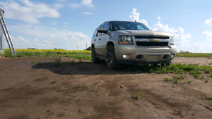 "Price drop Chevy Tahoe with 22"" foose wheels"