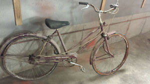 Velo bicyclette de ville vintage antique CCM Calico