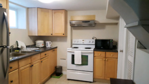 2 BEDROOM BASEMENT APARTMENT GIRLS STUDENT HOUSE NEAR MCMASTER