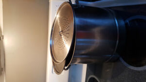 Large double boiler great for jigs dinner mussels lobsters steam