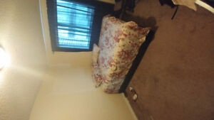 Available Clean one bedroom for rent. Jan 1st. Downtown