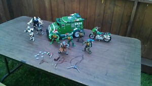 2002 TMNT characters and Vehicles Kitchener / Waterloo Kitchener Area image 2