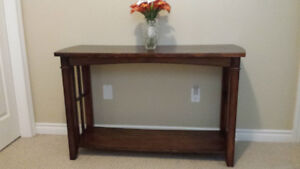 Beautiful Hallway Table- Collingwood Only $20