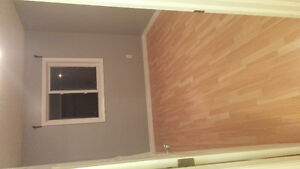 room for rent close to Fairview mall ASAP