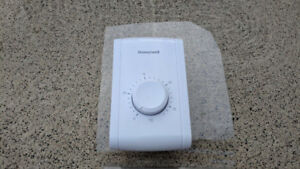 Wall-Mount Mechanical Non-Programmable Thermostat