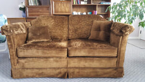 1975 Immaculate Couch and Love Seat