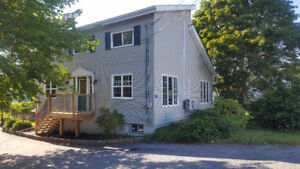 LOCATION! LOCATION! 4bdrm/2bath in Lakeside 5 Min to Bayers Lake