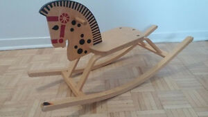Rocking horse- cheval a bascule