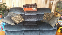 Lazy Boy pull out couch & Love Seat