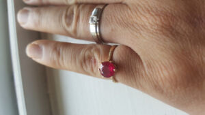 Ruby ring 10kt yellow gold