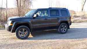 *Lifted* 2015 Jeep Patriot ..PERFECT Condition!