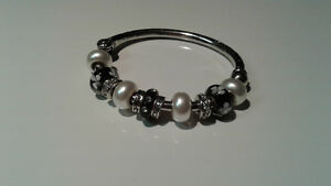 Black, silver and pearl bracelet