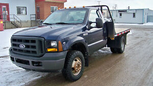 2006 Ford F-350 4WD DRW Only 1777 hrs and 103K No Accidents