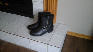 """NEW""  Leather Winter Boots  (size 10)"