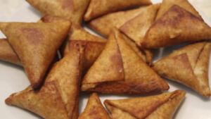 Selling homemade fresh samosas (beef, vegetable, tuna, chicken)!